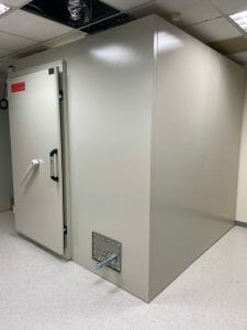 Read more about the article 333 Shielded Room 電波隔離室